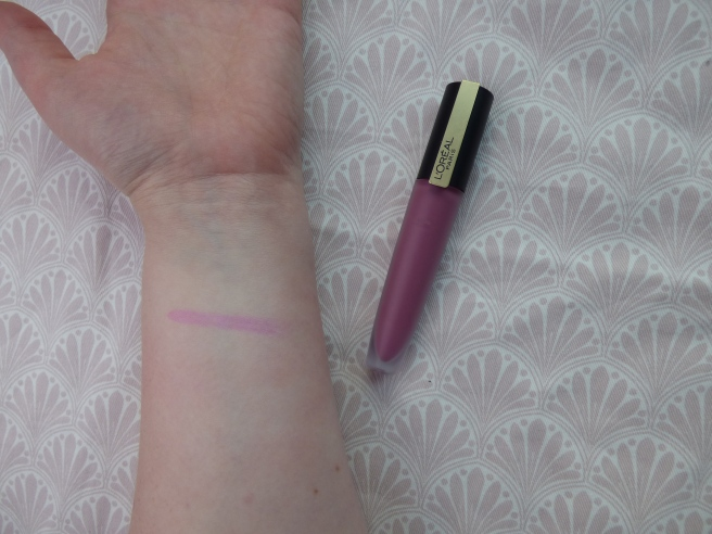 Rouge Signature Matte Color Ink Liquid Lipsticks van L'Oréal Paris 105 - I Rule