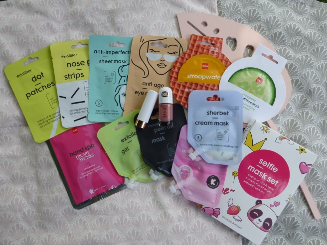 Matchende nagellak & lippenstift en veel maskers| Hema & Kruidvat | Shoplog