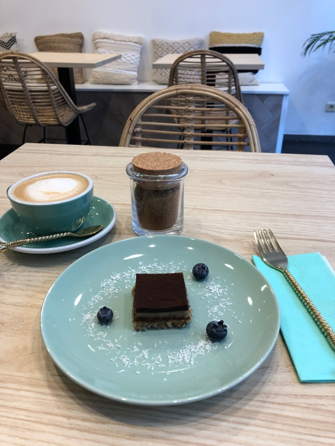 Tiramisu & Cappucinno | The Kind Coconut | Mechelen | Hotspot