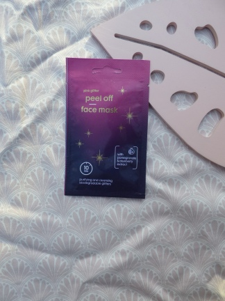 Pink Glitter Peel Off Face Mask van Hema