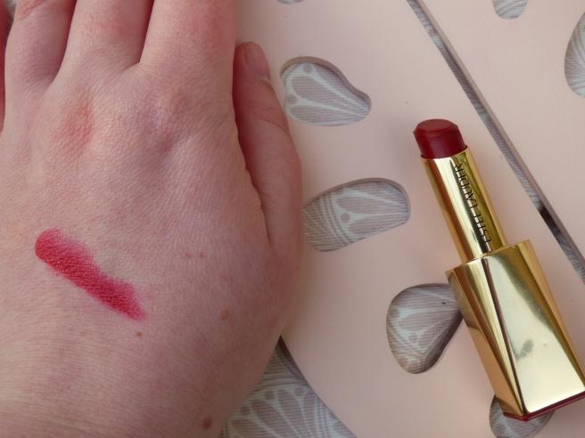 Pure Color Desire Lipstick van Estée Lauder