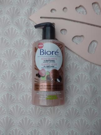 Zuiverende Cleanser met Rose Quartz + Houtskool van Bioré