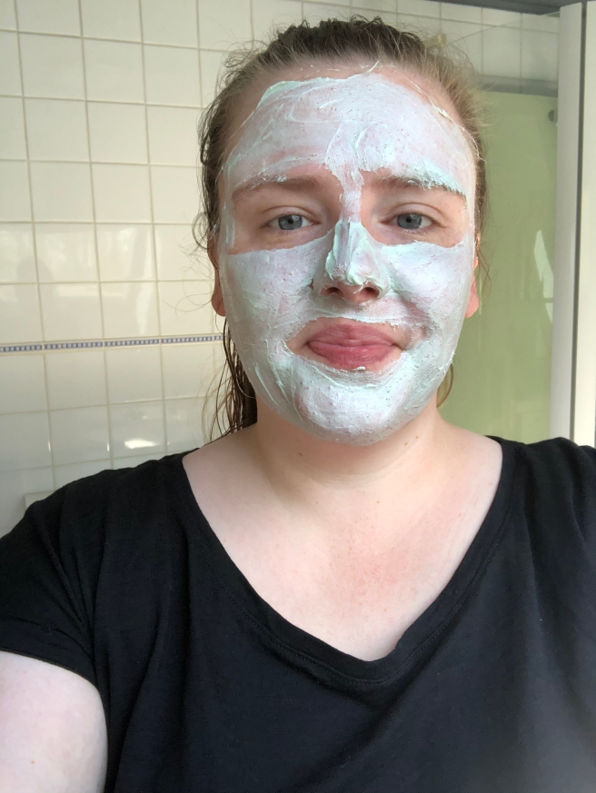 Go with the flow Avocado Mud Face Mask van Hema