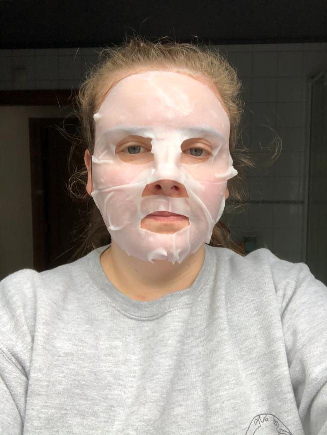 SkinActive Nutri Bomb Intense voeding + Versteviging Tissue Masker met Amandel van Garnier