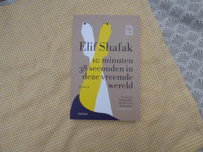 """Recensie: """"10 minuten 38 seconden in deze vreemde wereld"""" van Elif Shafak"""